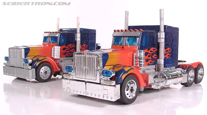 Transformers (2007) Premium Optimus Prime (Image #43 of 155)