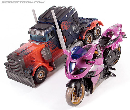 Transformers (2007) Battle Damaged Arcee (Image #31 of 72)