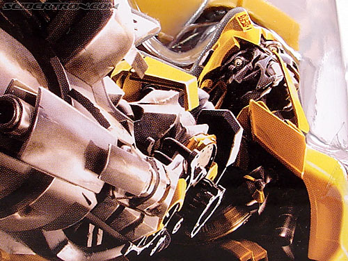 Transformers (2007) Battle Damaged Bumblebee (Image #9 of 99)