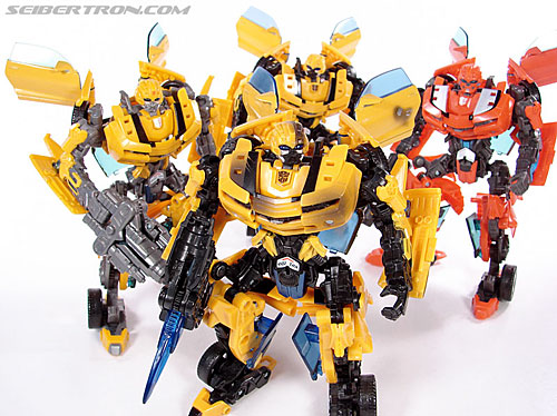Transformers (2007) Battle Damaged Bumblebee (Image #97 of 99)