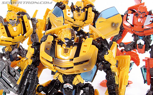 Transformers (2007) Battle Damaged Bumblebee (Image #98 of 99)