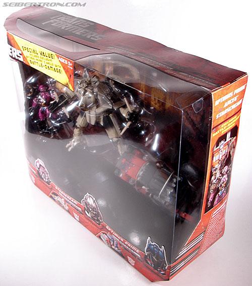 Transformers (2007) Battle Damaged Optimus Prime (Image #16 of 144)