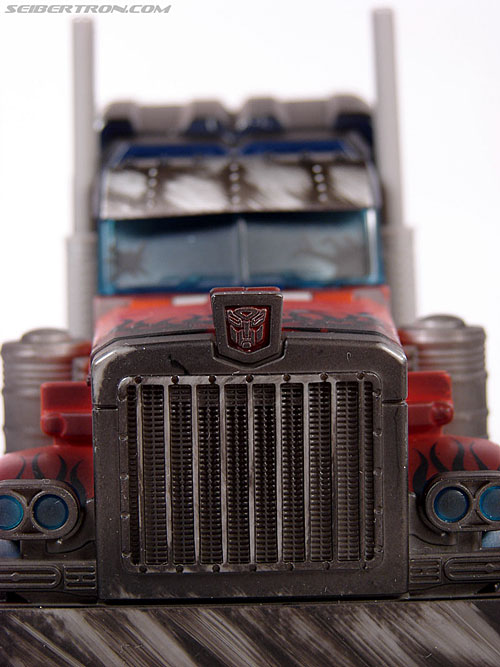 Transformers (2007) Battle Damaged Optimus Prime (Image #22 of 144)