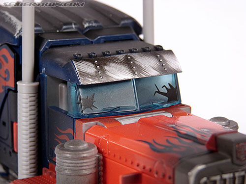 Transformers (2007) Battle Damaged Optimus Prime (Image #24 of 144)