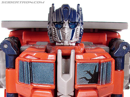 Transformers (2007) Battle Damaged Optimus Prime gallery