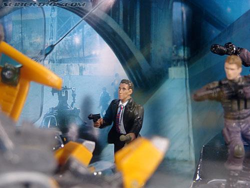 Transformers (2007) Screen Battles: Capture of Bumblebee (Image #7 of 156)