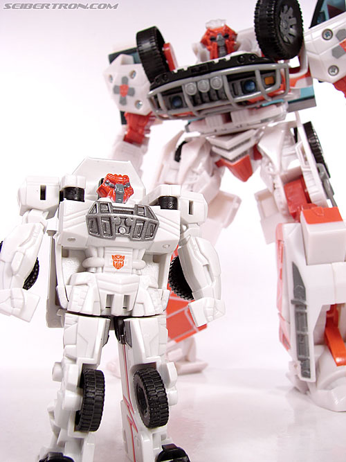 Transformers (2007) Rescue Ratchet (Image #26 of 48)