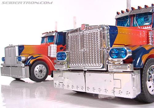 Transformers (2007) Premium Optimus Prime (Image #44 of 155)