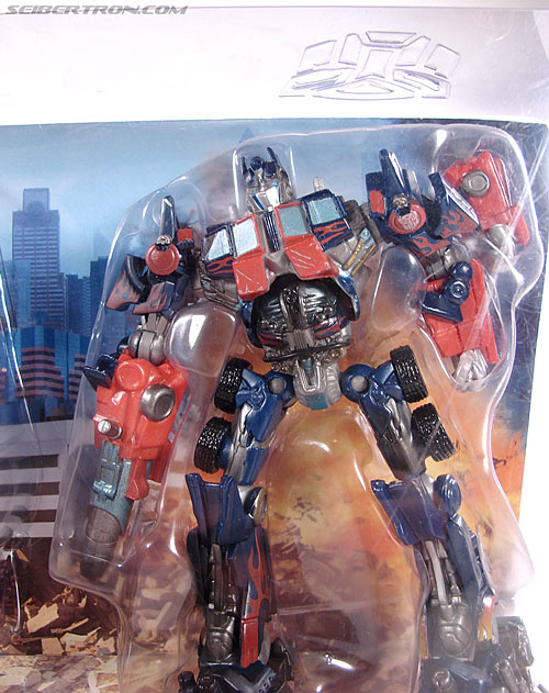 Transformers (2007) Battle Damaged Megatron (Robot Replicas) (Image #4 of 60)