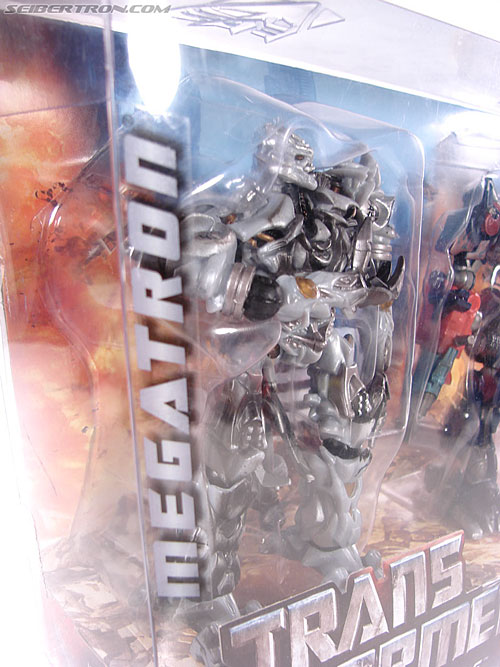 Transformers (2007) Battle Damaged Megatron (Robot Replicas) (Image #16 of 60)