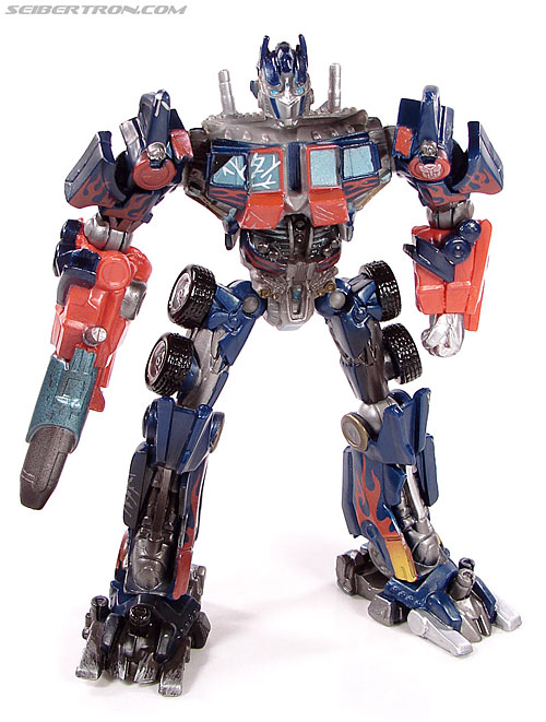 Transformers (2007) Battle Damaged Optimus Prime (Robot Replicas) (Image #1 of 37)