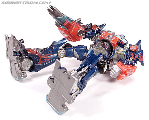 Transformers (2007) Battle Damaged Optimus Prime (Robot Replicas) (Image #17 of 37)
