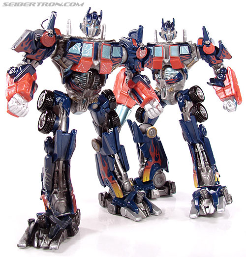 Transformers (2007) Battle Damaged Optimus Prime (Robot Replicas) (Image #36 of 37)