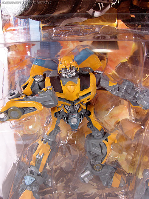 Transformers (2007) Bumblebee (Robot Replicas) (Image #4 of 63)