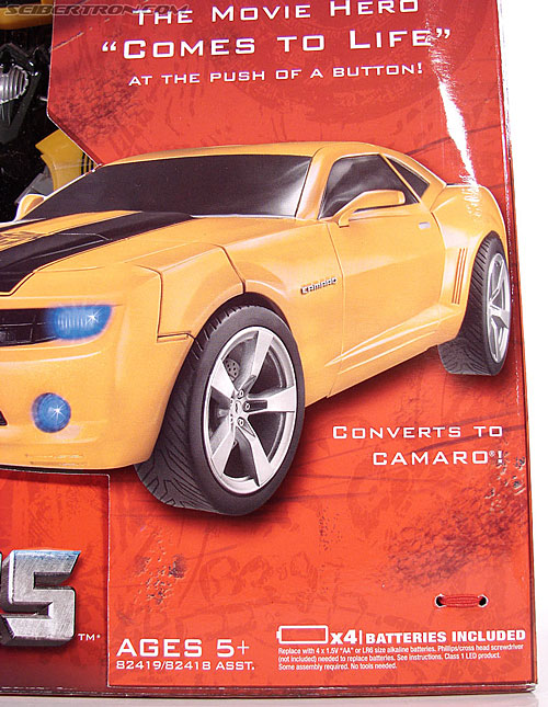 Transformers (2007) Ultimate Bumblebee (Image #5 of 95)