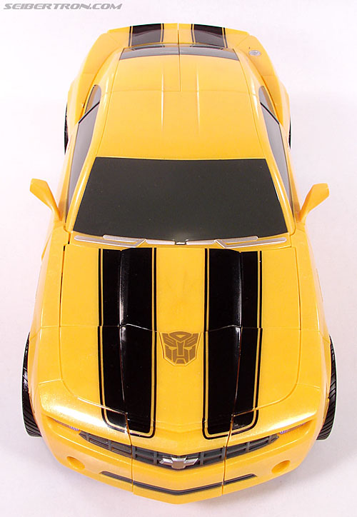Transformers (2007) Ultimate Bumblebee (Image #26 of 95)