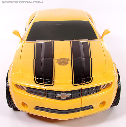 Transformers (2007) Ultimate Bumblebee (Image #27 of 95)