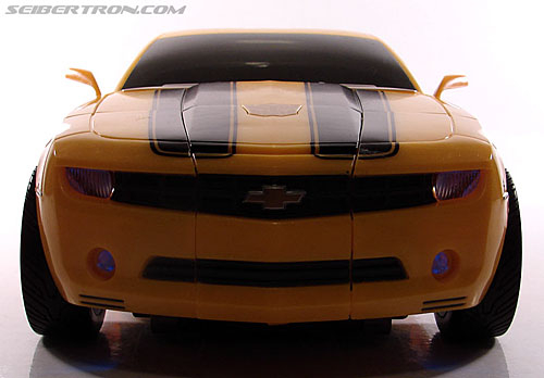 Transformers (2007) Ultimate Bumblebee (Image #29 of 95)