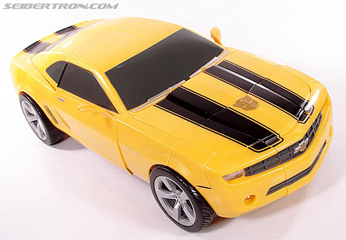 Transformers (2007) Ultimate Bumblebee (Image #32 of 95)