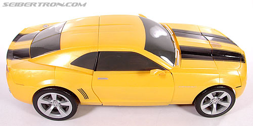 Transformers (2007) Ultimate Bumblebee (Image #33 of 95)