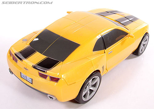 Transformers (2007) Ultimate Bumblebee (Image #35 of 95)