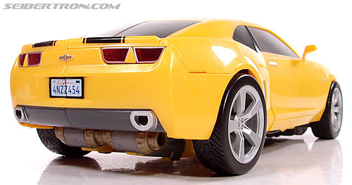 Transformers (2007) Ultimate Bumblebee (Image #36 of 95)
