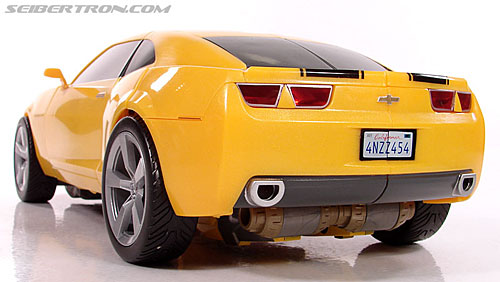 Transformers (2007) Ultimate Bumblebee (Image #39 of 95)