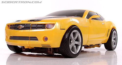 Transformers (2007) Ultimate Bumblebee (Image #43 of 95)
