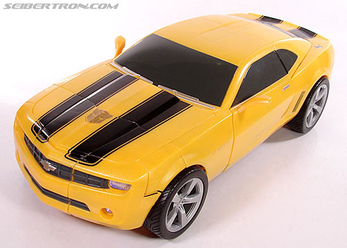 Transformers (2007) Ultimate Bumblebee (Image #44 of 95)