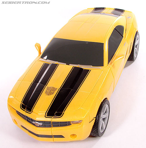 Transformers (2007) Ultimate Bumblebee (Image #45 of 95)