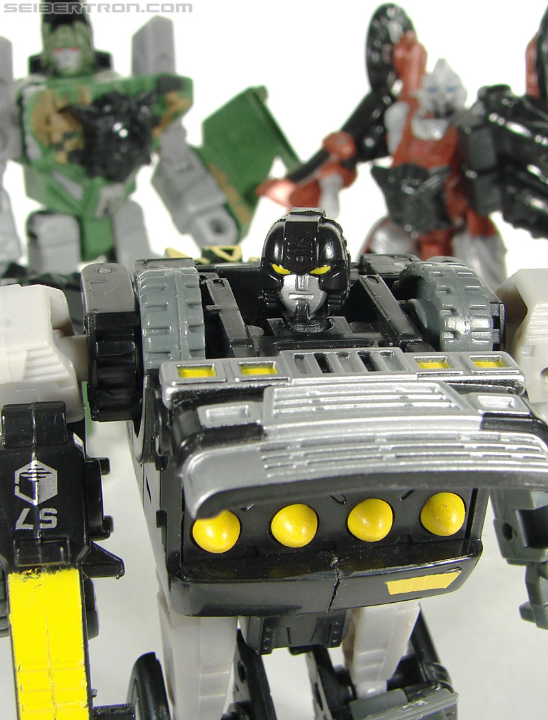 Transformers (2007) Armorhide (Image #124 of 128)