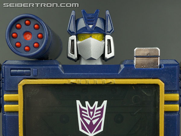 Transformers Masterpiece Soundwave gallery