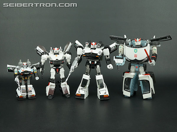 Transformers Masterpiece Prowl Gallery