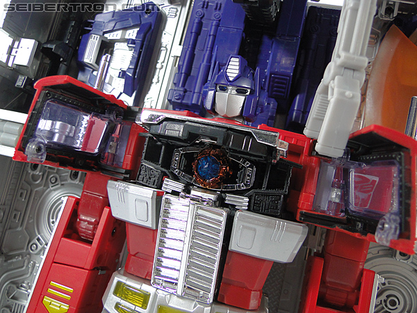 Transformers Masterpiece Optimus Prime (MP-10) (Convoy) (Image #387 of 429)
