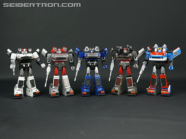 Transformers News: New Gallery: Masterpiece MP-18B Bluestreak