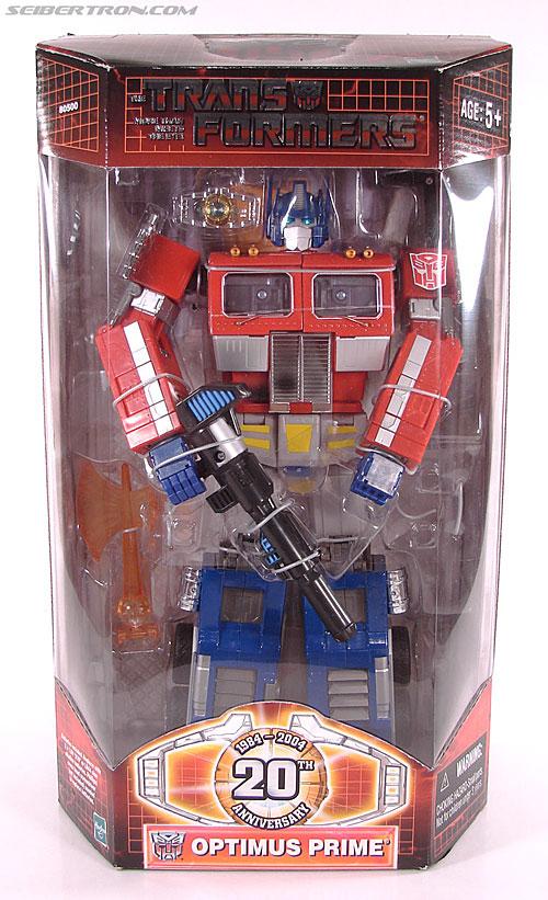 Transformers Masterpiece Optimus Prime (20th Anniversary) (Convoy) (Image #1 of 179)
