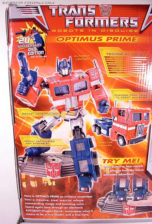 Transformers Masterpiece Optimus Prime (20th Anniversary DVD) (Image #13 of 183)