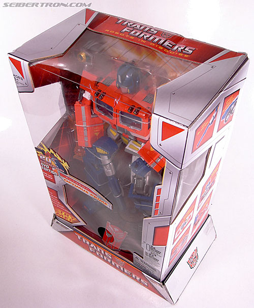 Transformers Masterpiece Optimus Prime (20th Anniversary DVD) (Image #20 of 183)