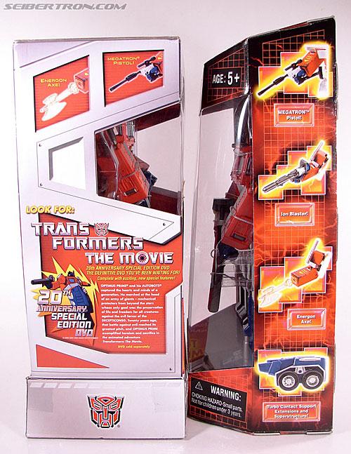 Transformers Masterpiece Optimus Prime (20th Anniversary DVD) (Image #22 of 183)