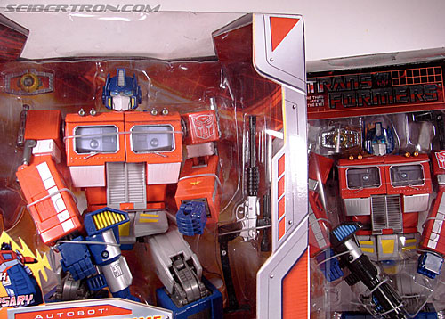 Transformers Masterpiece Optimus Prime (20th Anniversary DVD) (Image #24 of 183)