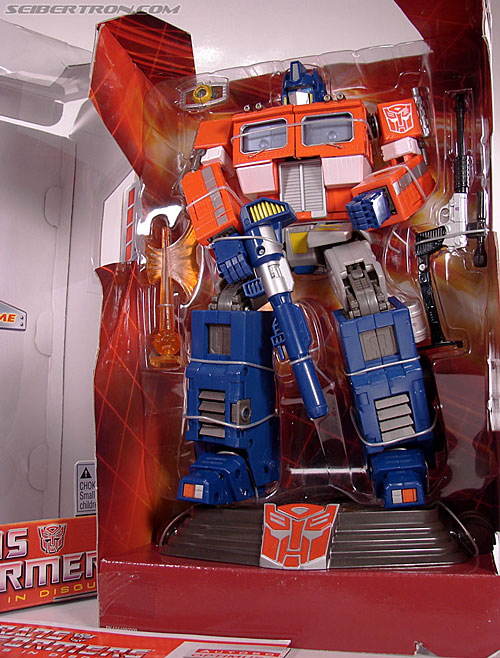 Transformers Masterpiece Optimus Prime (20th Anniversary DVD) (Image #29 of 183)