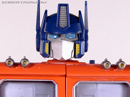 Transformers Masterpiece Optimus Prime (20th Anniversary DVD) gallery