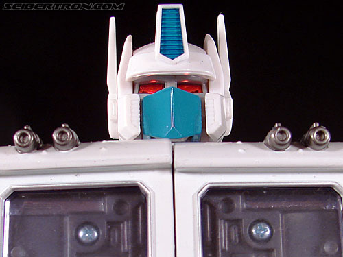Transformers Masterpiece Ultra Magnus (MP-02) gallery
