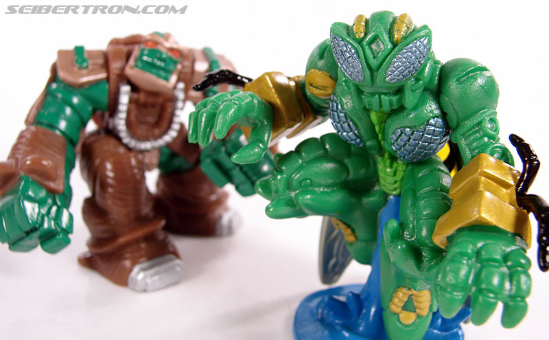 Transformers Robot Heroes Waspinator (BW) (Image #35 of 39)