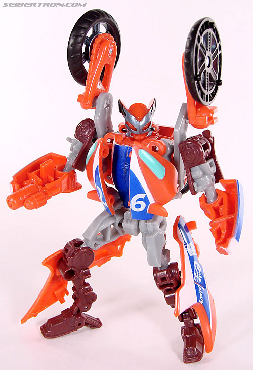 New Toy Galleries: ROTF Scouts and Starscream!