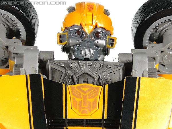Transformers Revenge of the Fallen Ultimate Bumblebee Battle Charged gallery