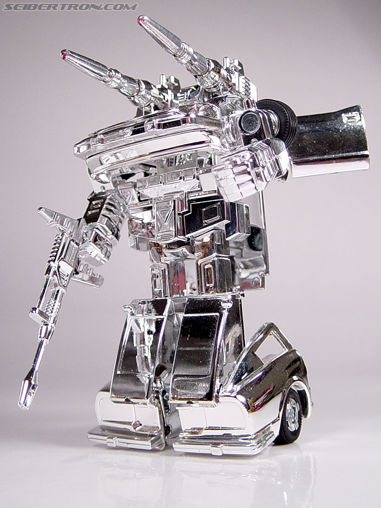 "Transformers e-Hobby Exclusives Silver Bluestreak (""Campaign Car"" version) (Image #35 of 48)"