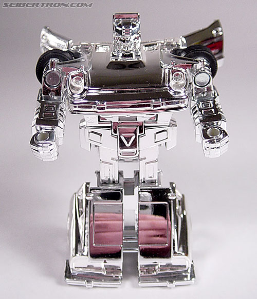 "Transformers e-Hobby Exclusives Silver Bluestreak (""Campaign Car"" version) (Image #25 of 48)"