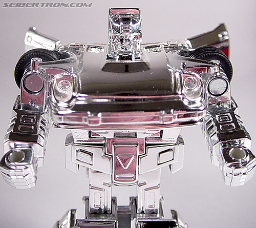 "Transformers e-Hobby Exclusives Silver Bluestreak (""Campaign Car"" version) (Image #26 of 48)"