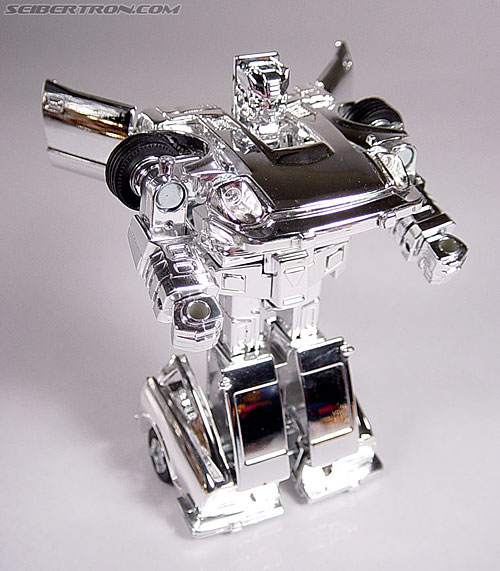 "Transformers e-Hobby Exclusives Silver Bluestreak (""Campaign Car"" version) (Image #28 of 48)"